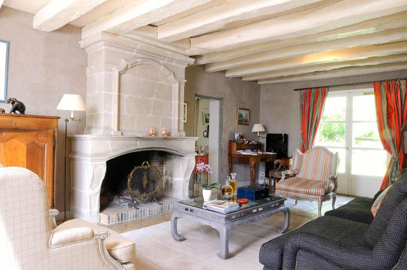 Ambiances chics et cosy dans des maisons de charme serge gautier - Cheminee interieur maison ...